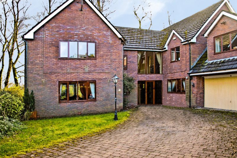 5 Bedrooms Detached House for sale in The Rowans, Heaton, Bolton, BL1 5BN