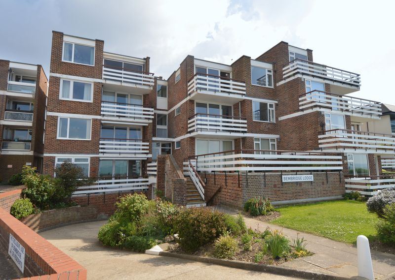 2 Bedrooms Flat for sale in Marine Parade East, LEE-ON-THE-SOLENT