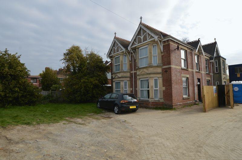 5 Bedrooms Detached House for sale in Titchfield Road, Stubbington, Fareham
