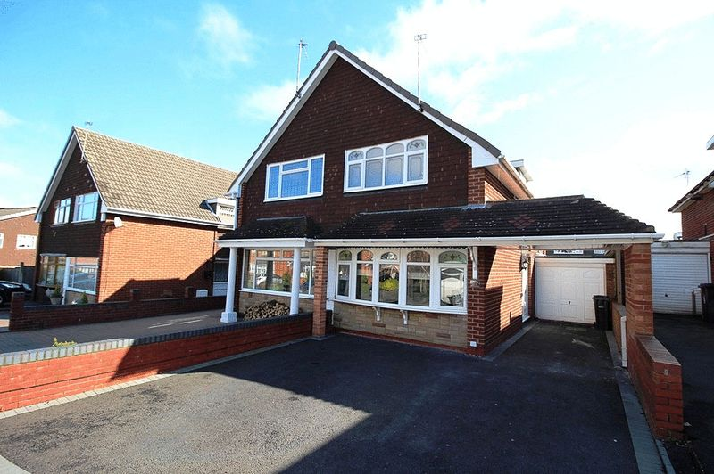 2 Bedrooms Semi Detached House for sale in Quilter Close, Coseley