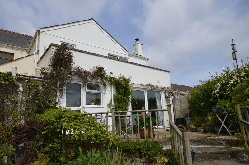 4 Bedrooms Semi Detached House for sale in Scredda, St. Austell