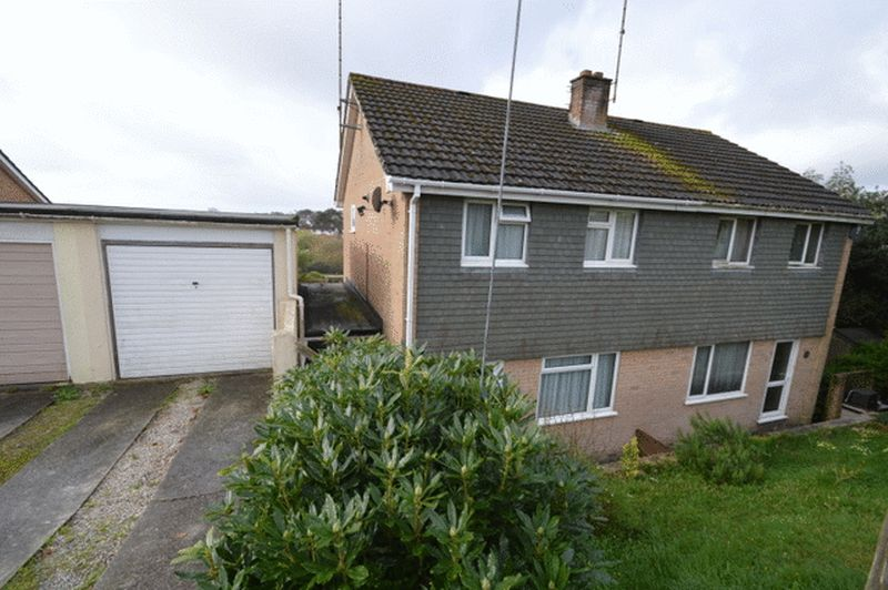 3 Bedrooms Semi Detached House for sale in Phernyssick Road, St. Austell