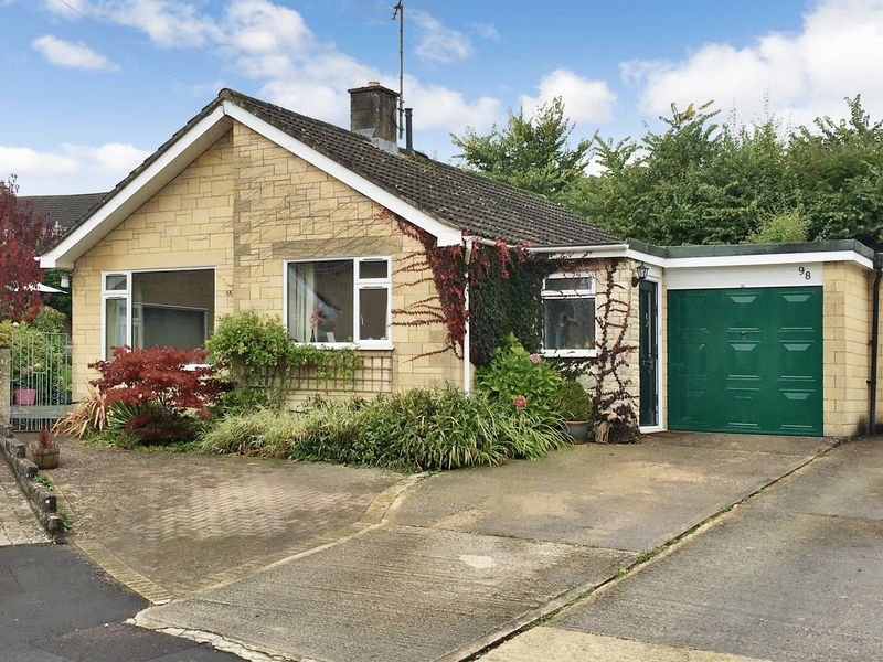 3 Bedrooms Bungalow for sale in Brook Drive, Corsham