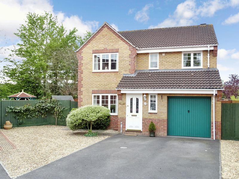 4 Bedrooms Detached House for sale in Saxifrage Bank, Melksham, Wiltshire