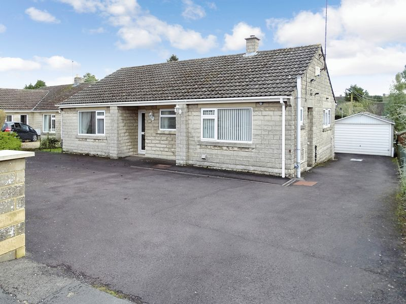 2 Bedrooms Detached Bungalow for sale in Grange Close, Whitley