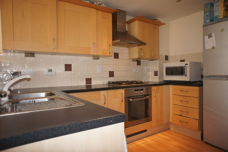 4 Bedrooms Terraced House for sale in Dreadnought Close, Colliers Wood