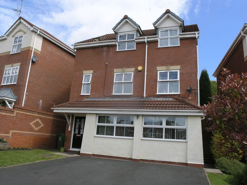 Winrush Close, Lower Gornal, DY3