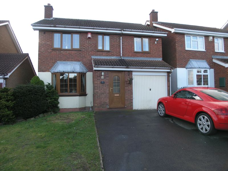 4 Bedrooms Detached House for sale in Roper Way, Dudley