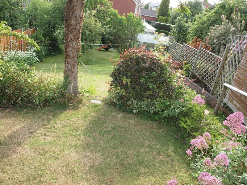 Garden Walk, Lower Gornal, DY3