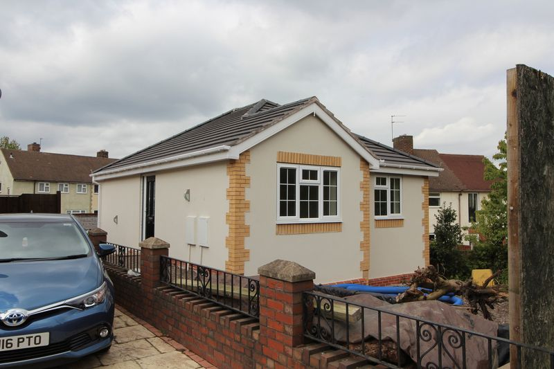3 Bedrooms Detached House for sale in Eve Lane, Upper Gornal
