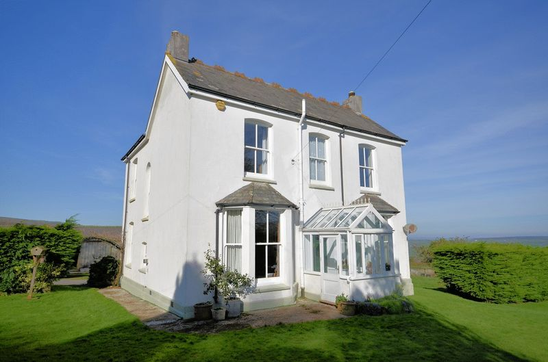 4 Bedrooms Detached House for sale in Coxpark, Gunnislake