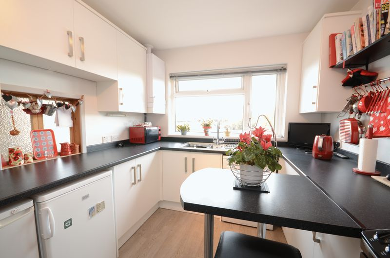 3 Bedrooms Detached Bungalow for sale in Redmoor Close, Tavistock