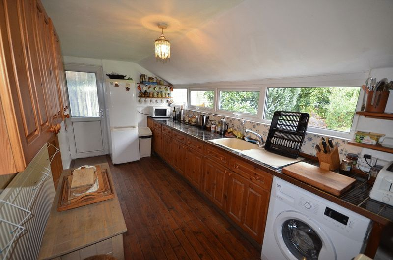 4 Bedrooms Detached House for sale in Glanville Road, Tavistock