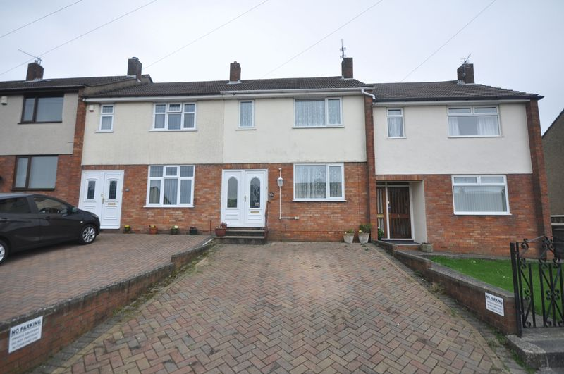 3 Bedrooms Terraced House for sale in Cotswold View Kingswood