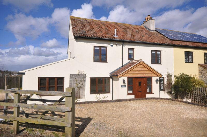 4 Bedrooms Cottage House for sale in Hodden Lane, Pucklechurch
