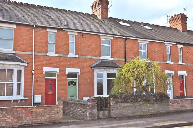 3 Bedrooms Terraced House for sale in Pershore Road, Hampton, Evesham, WR11 2NA