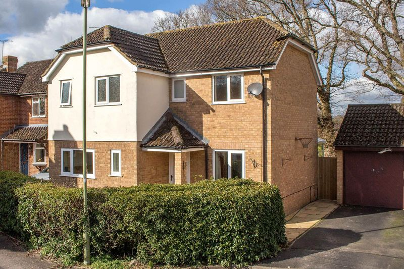 3 Bedrooms Detached House for sale in Ashurst Bridge