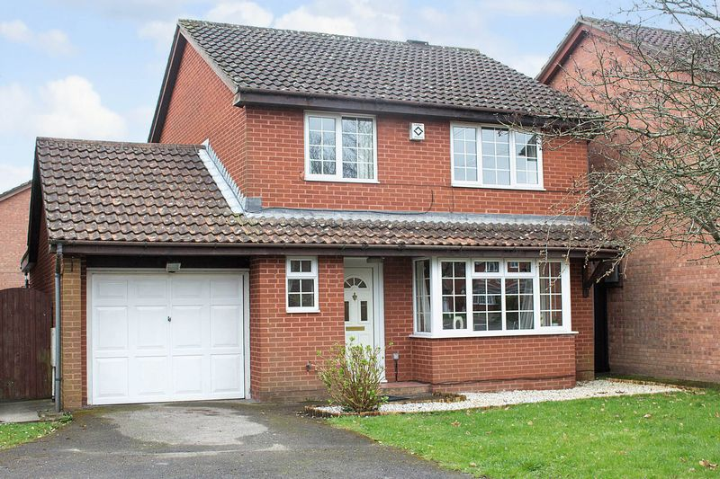 3 Bedrooms Detached House for sale in West Totton
