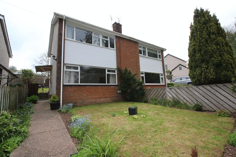 3 Bedrooms Semi Detached House for sale in Lodgewood Estate, New Inn, Pontypool