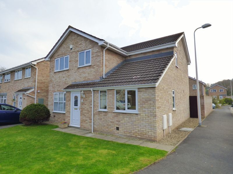 4 Bedrooms Detached House for sale in Magellan Close, Worle, Weston-Super-Mare