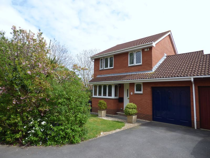 3 Bedrooms House for sale in Hobbiton Road, Weston-Super-Mare