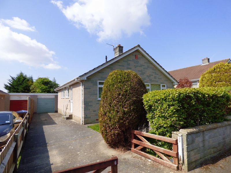 3 Bedrooms Detached Bungalow for sale in Pine Close, Worle, Weston-Super-Mare