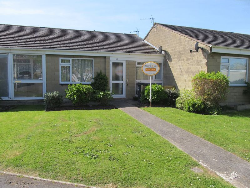 2 Bedrooms Bungalow for sale in Ladye Wake, Worle, Weston-Super-Mare