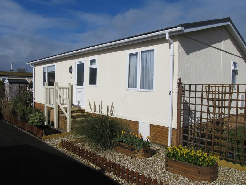 2 Bedrooms Property for sale in Oaktree Park, Weston-Super-Mare
