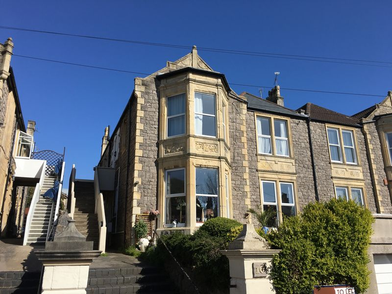 2 Bedrooms Flat for sale in Grove Park Road, Weston-s-Mare