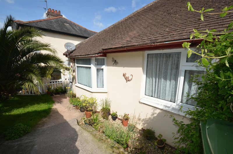3 Bedrooms Semi Detached House for sale in George Road, Preston, Paignton