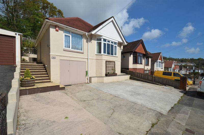 2 Bedrooms Detached Bungalow for sale in Shorton Valley Road, Paignton