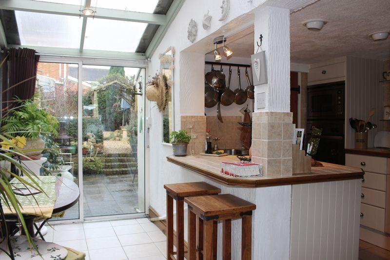 3 Bedrooms Cottage House for sale in Shelburne Road, Calne