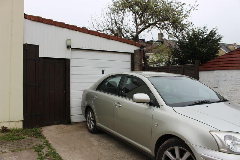 Parking & Garage
