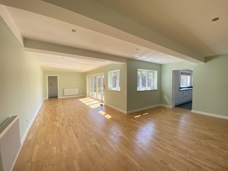 33' Living/Dining/Family Room