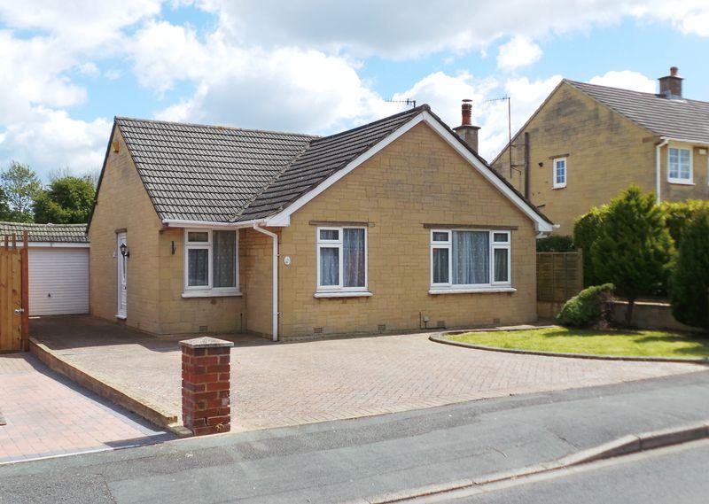 3 Bedrooms Detached Bungalow for sale in Greenmeadow, Swindon