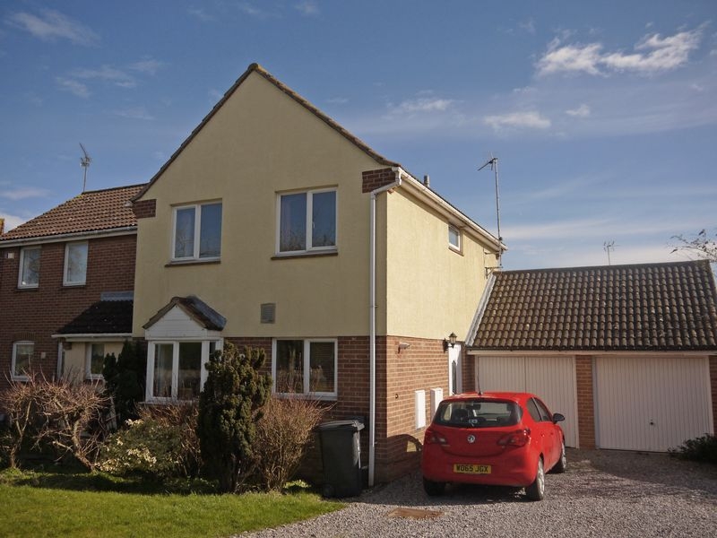 3 Bedrooms Semi Detached House for sale in Sudeley Way, Swindon