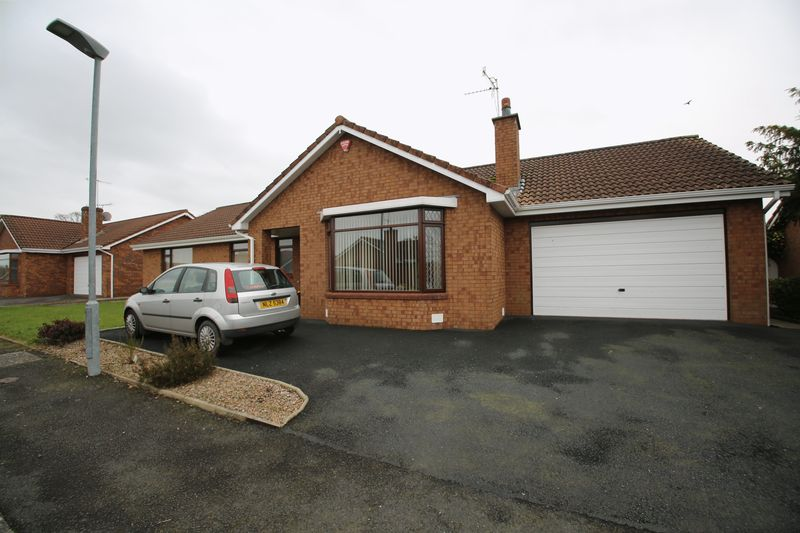 3 Bedrooms Detached Bungalow for sale in 11 Brook Road, Portadown