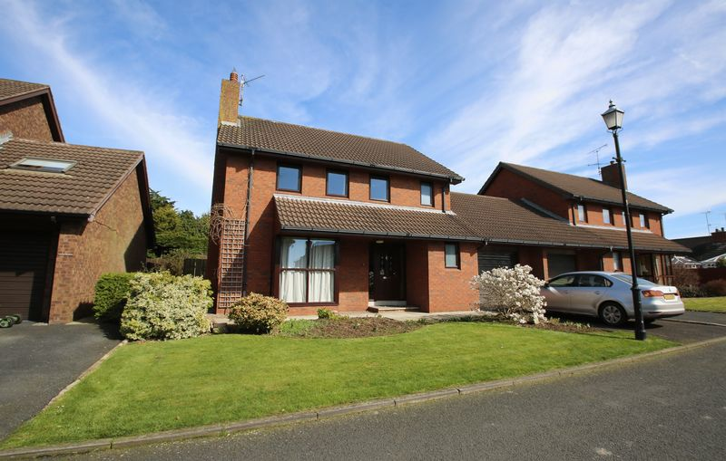 5 Bedrooms Detached House for sale in 3 Five Acres, Portadown