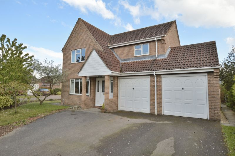 4 Bedrooms Detached House for sale in 12 St Georges Drive, Woodhall Spa