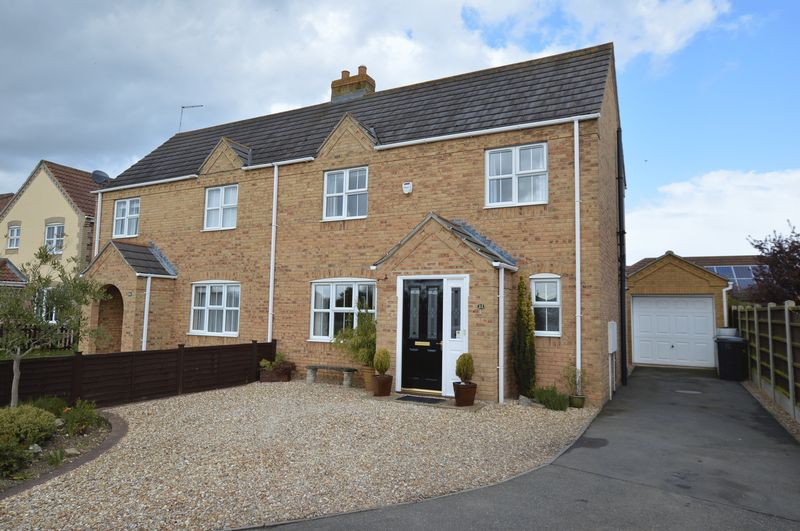 3 Bedrooms Semi Detached House for sale in 22 St Andrews Walk, Woodhall Spa