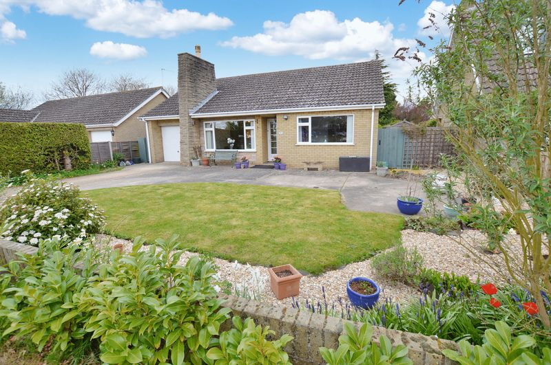 3 Bedrooms Detached Bungalow for sale in The Beck, 6 Maple Avenue, Woodhall Spa
