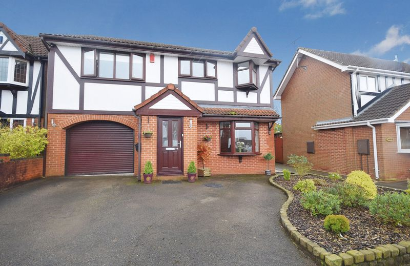 4 Bedrooms Detached House for sale in Meigh Road, Werrington