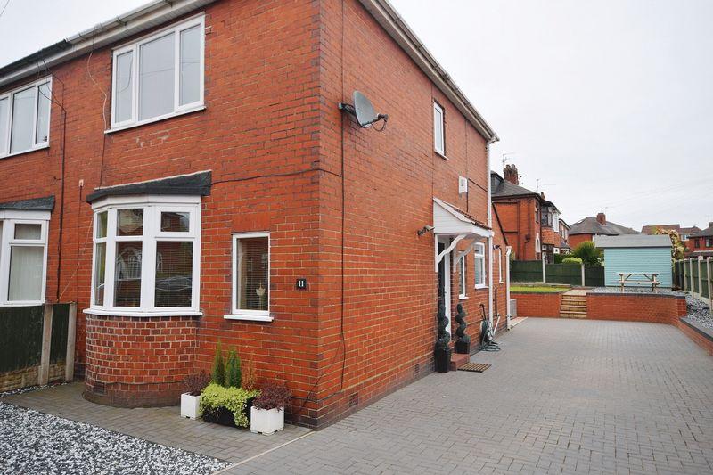 2 Bedrooms Semi Detached House for sale in Crossway Road, Sneyd Green