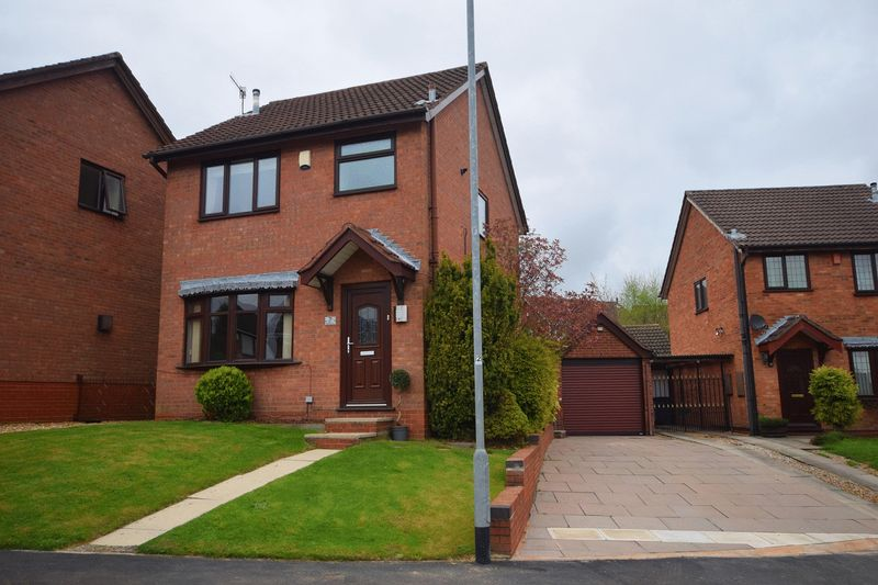 3 Bedrooms Detached House for sale in Chilgrove Close, Birches Head