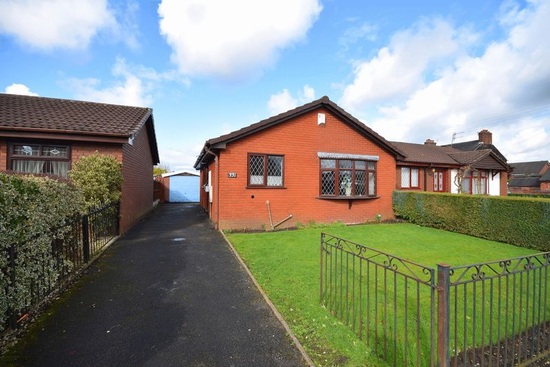 2 Bedrooms Detached Bungalow for sale in Ruxley Road, Bucknall
