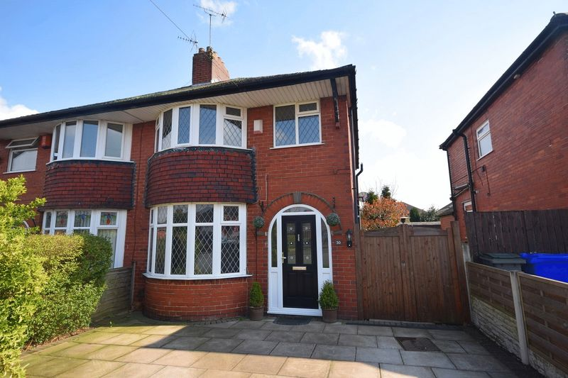 3 Bedrooms Semi Detached House for sale in Abbotts Drive, Sneyd Green