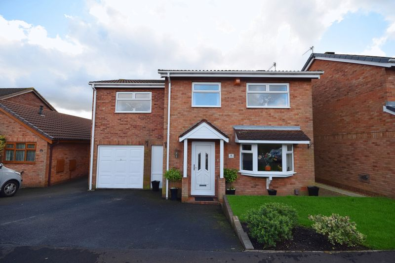 4 Bedrooms Detached House for sale in Heatherleigh Grove, Birches Head