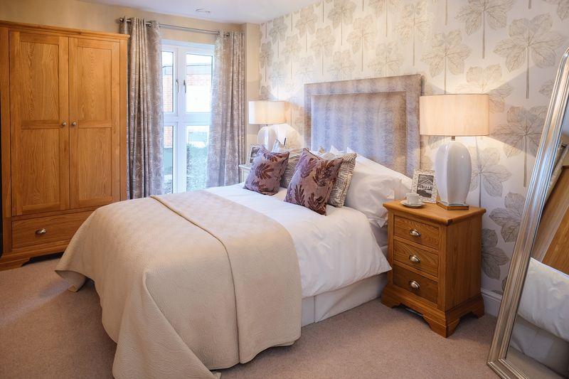 2 Bedrooms Flat for sale in Algar Court, Penn Road, Penn