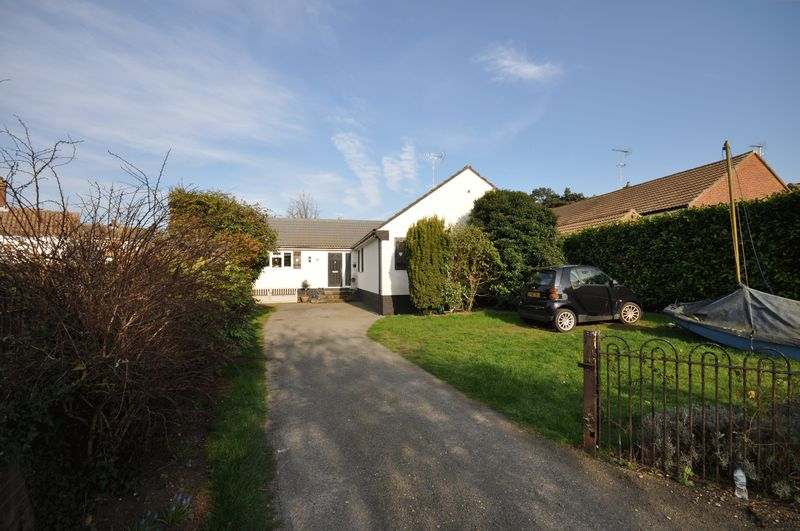 3 Bedrooms Detached Bungalow for sale in Queen Anne Road, West Mersea