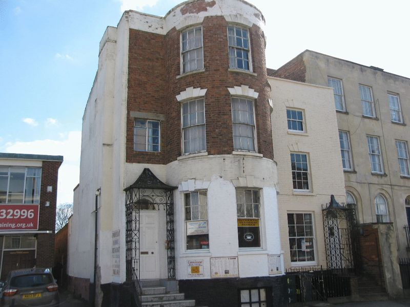 3 Bedrooms Commercial Property for sale in London Road, Gloucester